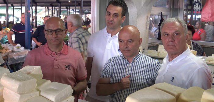Photo of Димковски на средба со Јованоски и земјоделците од прилепско