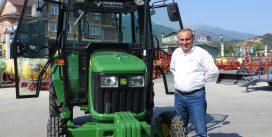 Трактор John Deere – сон на секој земјоделец