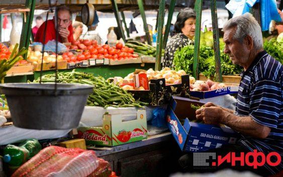 Солени цени на зелените пазари како во зима, се купува на парче