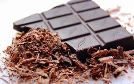 Науката потврди: Црното чоколадо е најдобар избор за доручек
