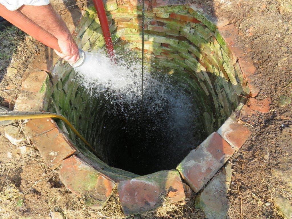 Photo of Што е подобро да се користи за наводнување, бунарска вода или дождовница?