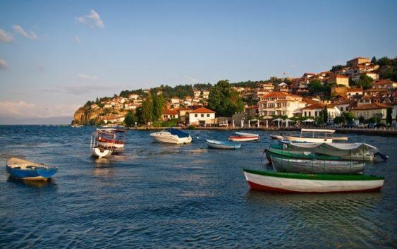 """Охридското Езеро доби нов концесионер – со рибниот фонд ќе стопанисува фирмата """"Летница Белвица"""""""