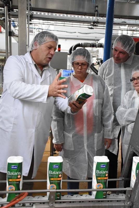 """Photo of Битолска млекара го одбележа Светскиот ден на квалитет преку организирање """"отворен ден"""" за заинтересираните граѓани"""