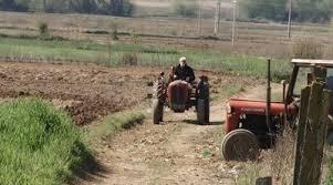 Photo of Земјоделци со маски ја почнаа пролетна сеидба