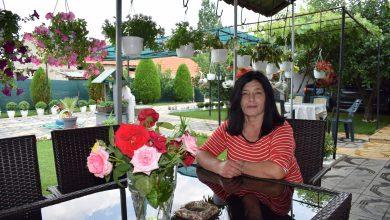 Photo of Славица Стојковска-Од работа нема срамота, не чекајте вработување според професијата