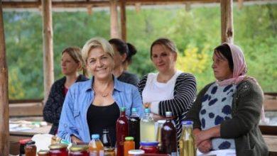 Photo of Жените од Маврово и Ростуше наместо да преживуваат, научија како да заработуваат од собирање шумски плодови, печурки и производство на мед