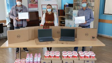 Photo of СООПШТЕНИЕ  –  Битолска млекара и Пакомак донираат производи и лаптопи за децата од СОС Детско село за следење онлајн настава