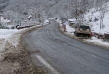 Photo of Снег провејува во Маврово и кај Стража, сообраќајот се одвива по влажни коловози