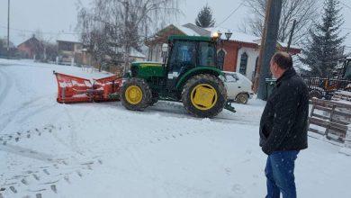 Photo of Интензивно се работи на расчистување на снегот од коловозите во Општина Новаци